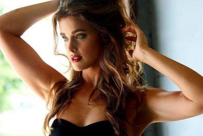 Ashley Newbrough body measurements boob job lips